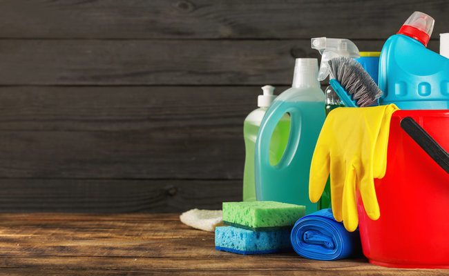 The 6 Worst Ingredients In Household Cleaning Products